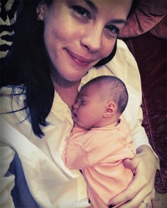 liv-tyler-with-baby-instagram