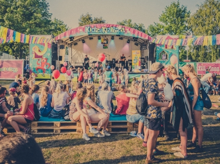 Freebie: Die ultimative Checkliste fürs Festival mit Kind